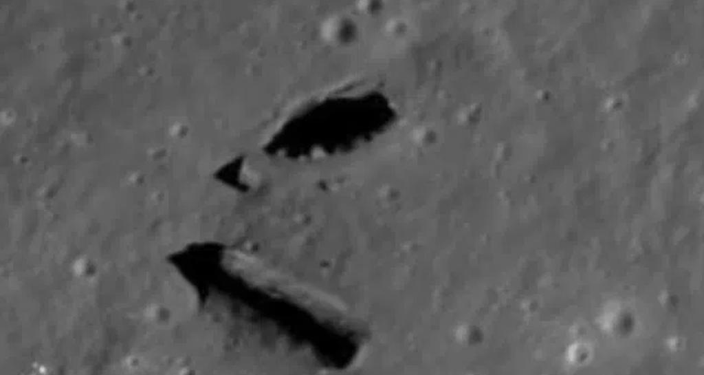 Уфологи обнаружили на Луне «рукотворный» вход в «подземелье»